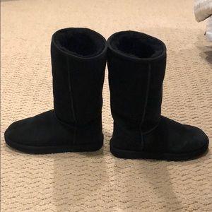 Black warm boots